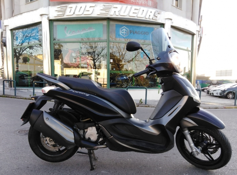 Piaggio Beverly 350 A Sport Touring